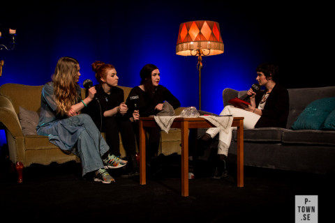 Här intervjuas Raindear och Oh Jonathan av Fredrika Johansson i liveradio.