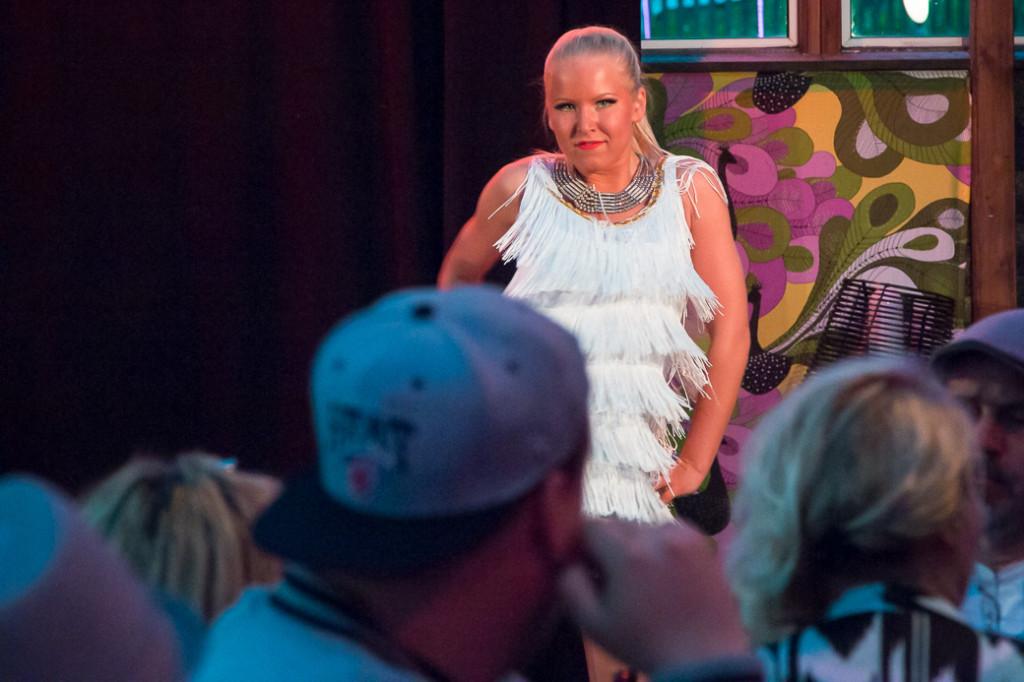 Lina Stridsman står för energi och glädje. En klippa på dans.