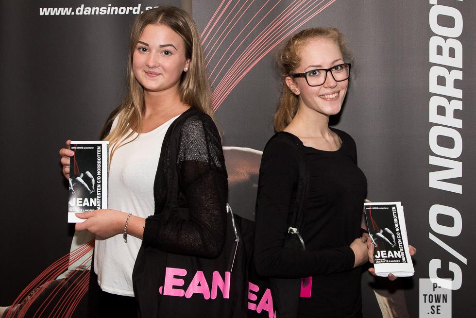 Stina Lindberg och Deniece Boman Öquist tog emot besökarna och fick såklart uppleva Jean.