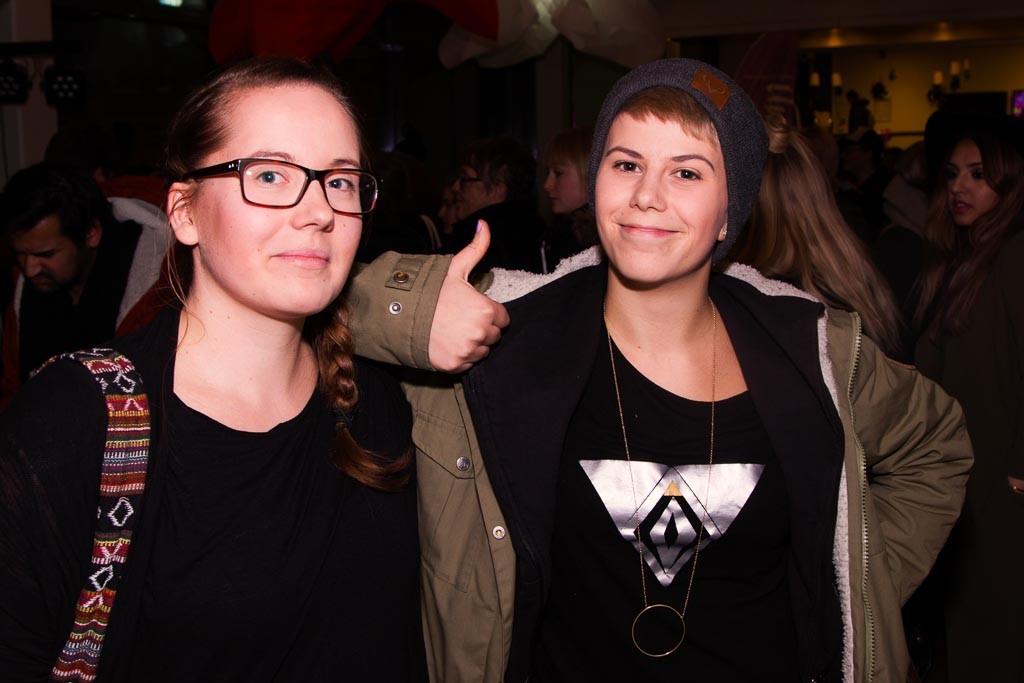 Alexandra Nyman och hennes väninna.