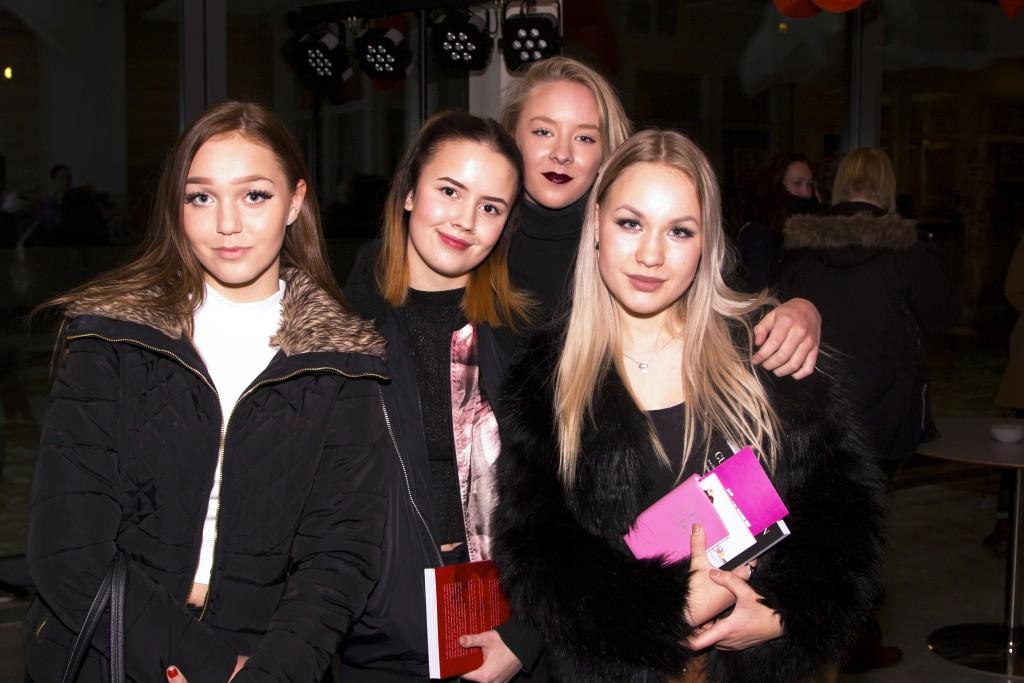 Från vänster: Elsa Hansius, Clara Eriksson,Linnea Lundström och Agnes Hansius.