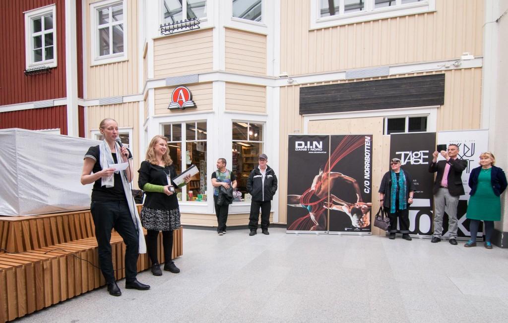 Marie Larsson Sturdy och Helene Markström delade ut årets inspirationsutmärkelse.