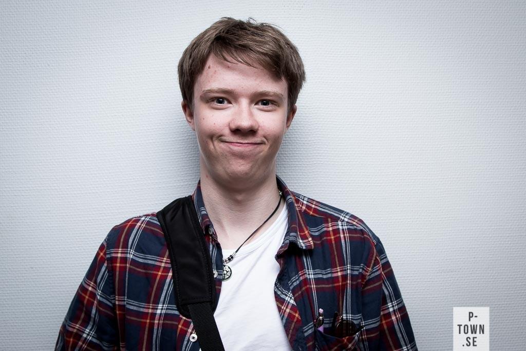 Axel Öhman, 16, Sjulnäs. Linje: Estet Media. Framtidsdrömmar: Visuella 3D animation videos. Tatuering: Wolf.