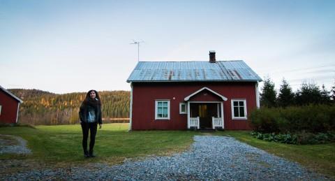Det röda huset i Svensbyn kommer nog alltid vara hemma för Therese.