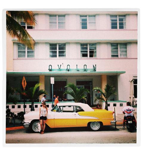 Det blir en hel del resande, med kameran i resväskan förstås. Här var Sanna i Miami inför en plåtning.