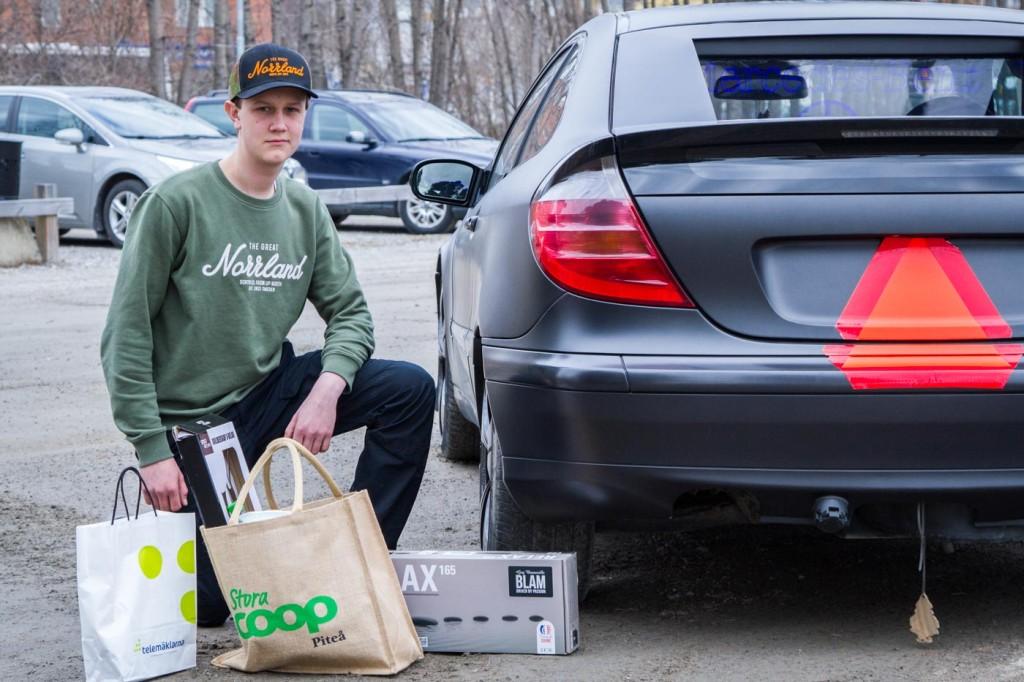 Telemäklarna och Garage 86 sponsrade också med Bluetooth-högtalare och magnetisk mobilhållare till vindrutan respektive ett högtalarkit till bilen värde 1250 kronor. TACK!